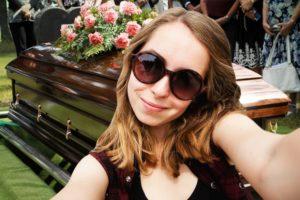 funeral_selfie